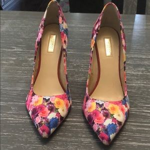 Guess 4inch floral heel